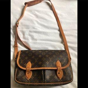 Authentic Vintage Louis Vuitton crossbody bag